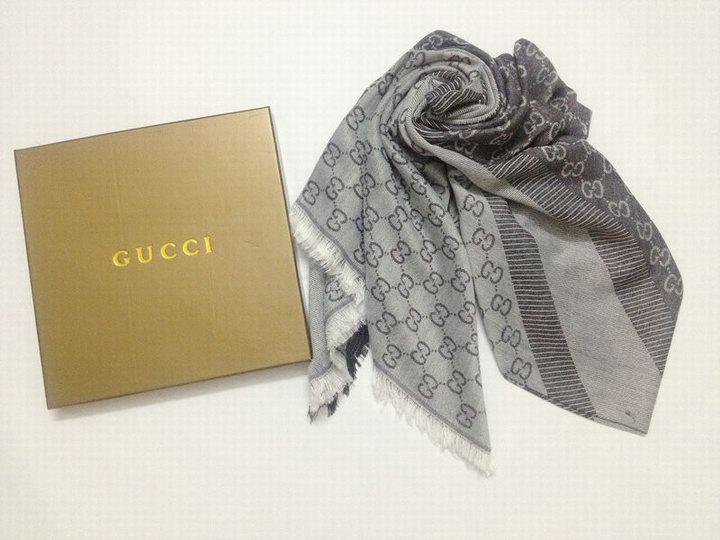 Écharpe Gucci Gris-4 - Écharpe Gucci Gris-4 pas cher a8a49b73887