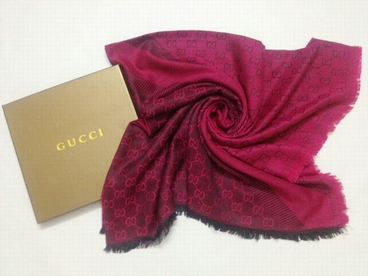 Écharpe Gucci Rouge-5 - Écharpe Gucci Rouge-5 pas cher 9ec5a508281